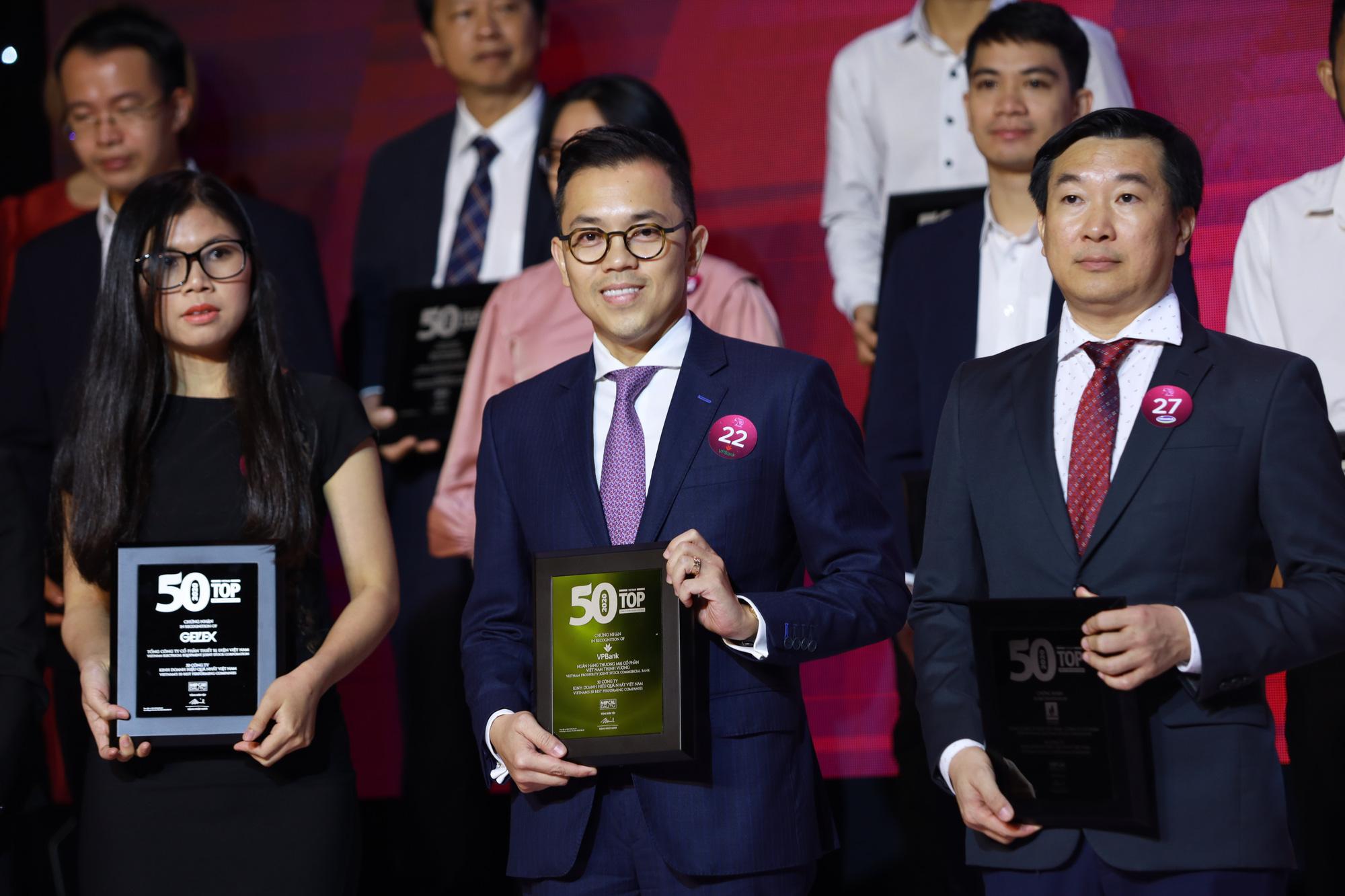 """VPBank liên tiếp được vinh danh trong """"Top 50"""" công ty kinh doanh hiệu quả nhất và công ty niêm yết tốt nhất Việt Nam - Ảnh 1."""