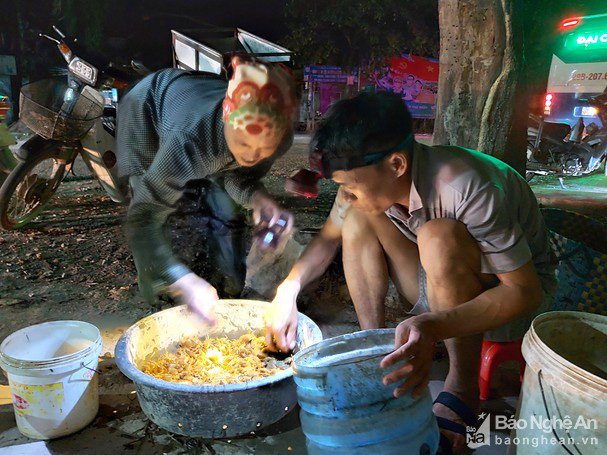 Nắng nóng đỉnh điểm, cua đồng Nghệ An tăng giá kỷ lục - Ảnh 3.