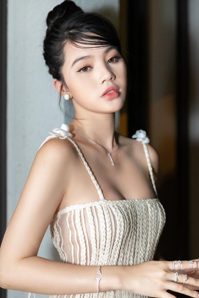 """Hoa hậu người Việt tại Úc Jolie Nguyễn gây """"bỏng mắt"""" mỗi lần mặc bikini quyến rũ - Ảnh 13."""