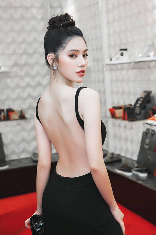 """Hoa hậu người Việt tại Úc Jolie Nguyễn gây """"bỏng mắt"""" mỗi lần mặc bikini quyến rũ - Ảnh 10."""