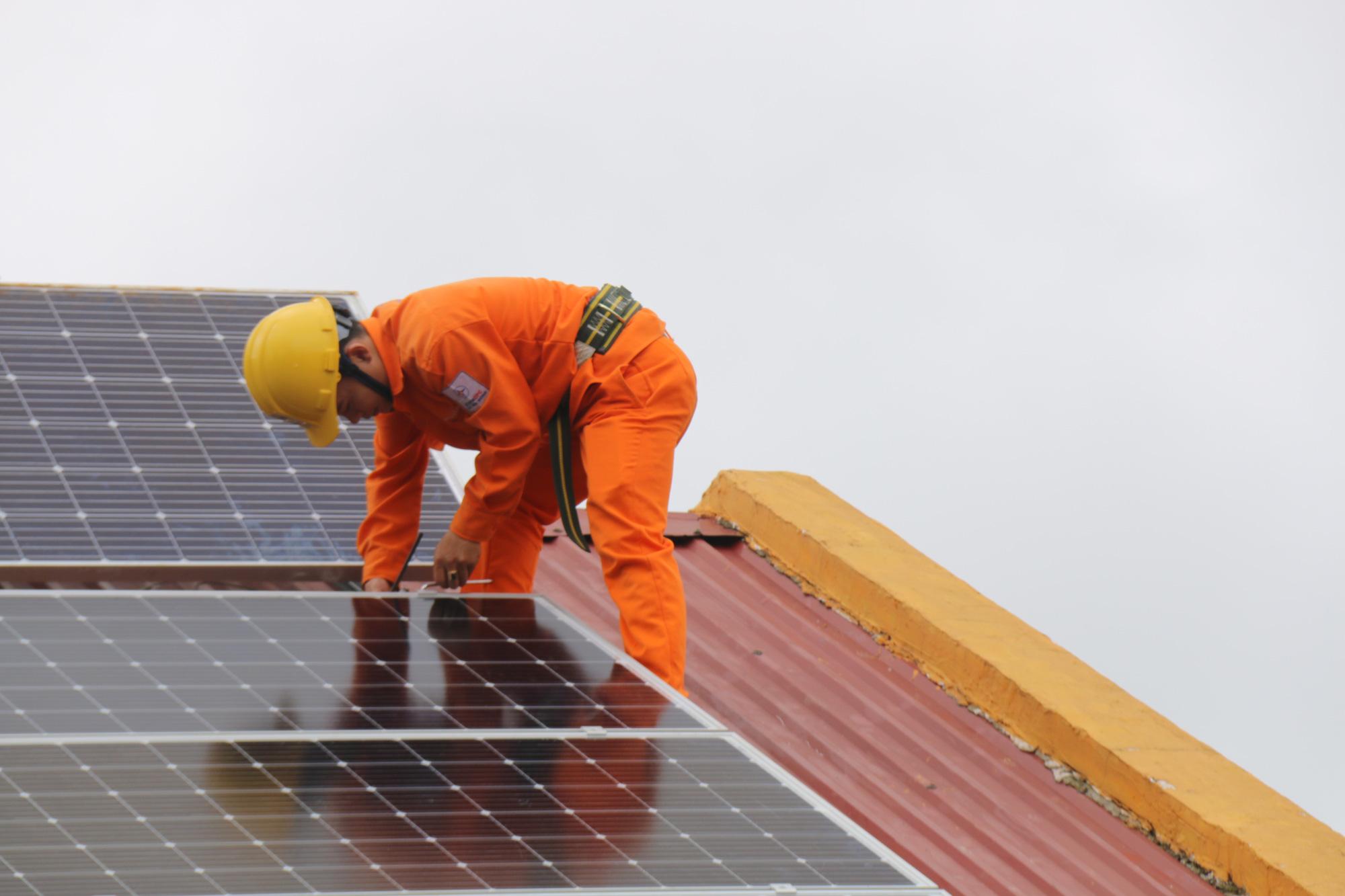 Đắk Nông: Tạo điều kiện tối đa cho khách hàng lắp đặt điện mặt trời - Ảnh 3.