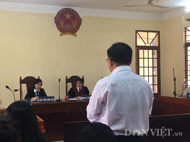 """Vụ thầy giáo kiện trường ra tòa vì cho học sinh diễn """"cảnh nóng"""": Sau 2 phiên xử vẫn chưa thể tuyên án - Ảnh 3."""