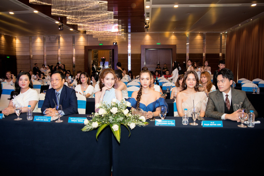 Ngọc Trinh khoe dáng nuột, hội ngộ Phạm Quỳnh Anh tại sự kiện - Ảnh 6.