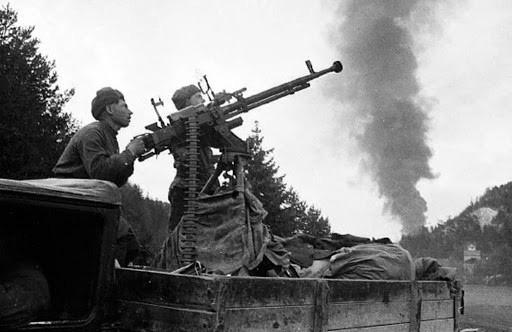 """Vì sao đại liên DShK 12,7mm là """"huyền thoại"""" trong lịch sử chiến tranh? - Ảnh 8."""
