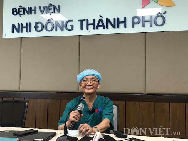 """GS Trần Đông A: """"Tôi rất hạnh phúc khi được chứng kiến ca phẫu thuật này"""" - Ảnh 1."""