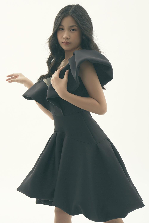 Con gái của Lưu Thiên Hương ngọt ngào, cuốn hút trong bộ ảnh mới - Ảnh 2.