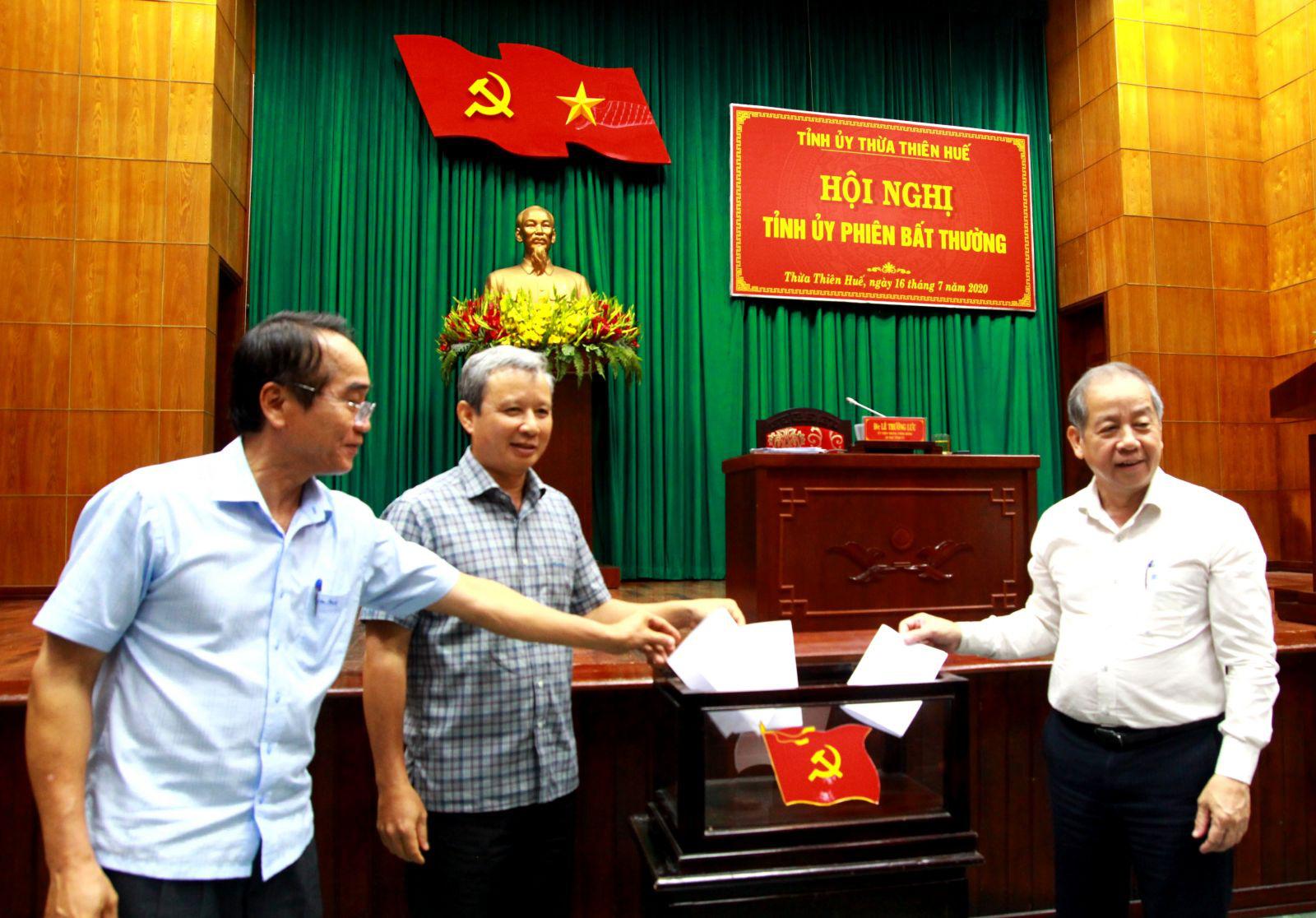 TT- Huế: Giám đốc Công an tỉnh được bầu giữ chức Phó Bí thư Tỉnh ủy - Ảnh 1.