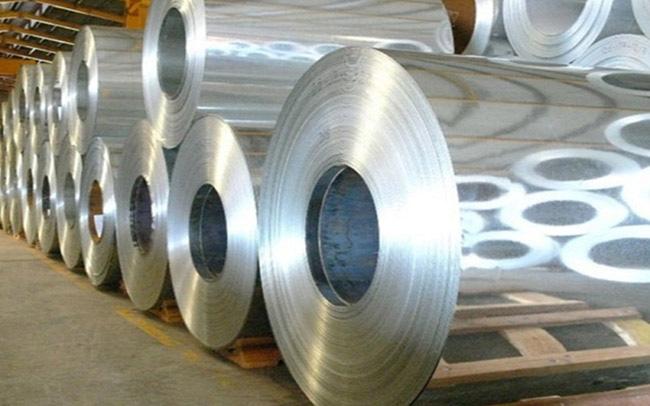 Nghi bán phá giá, Malaysia khởi xướng điều tra thép và nhựa Việt Nam - Ảnh 1.