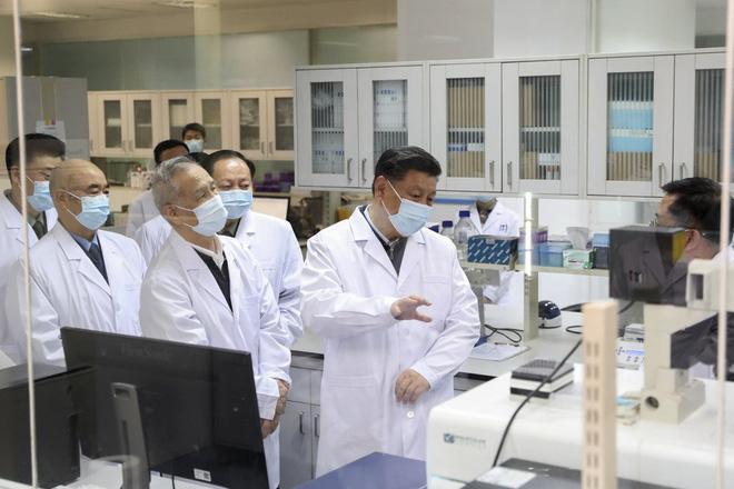Công ty Trung Quốc 'đi đường tắt', dùng nhân viên thử vaccine Covid - Ảnh 1.