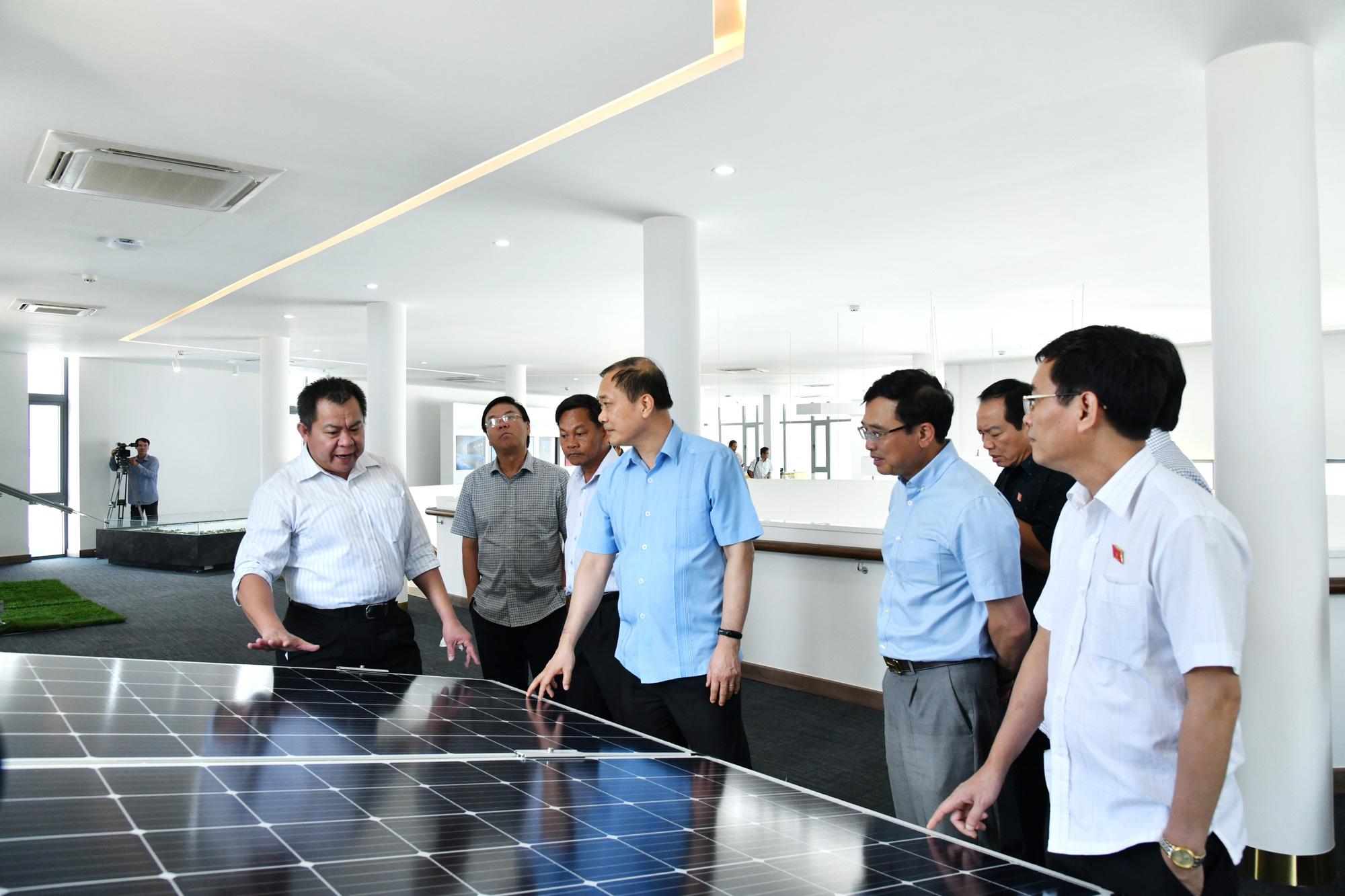 Ủy ban Kinh tế của Quốc hội thăm và làm việc Ninh Thuận - Ảnh 2.
