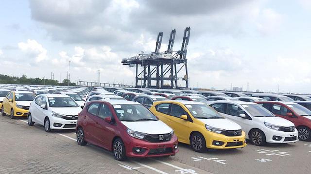 Bất ngờ, xe Indonesia về Việt Nam giá chỉ trên 230 triệu đồng/chiếc - Ảnh 1.