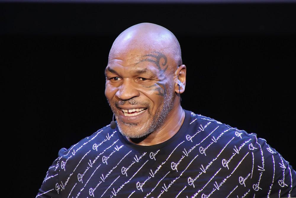 """Ở tuổi 18, Mike Tyson đã thể hiện """"sự khát máu"""" đáng sợ khi hạ gục đối thủ - Ảnh 1."""