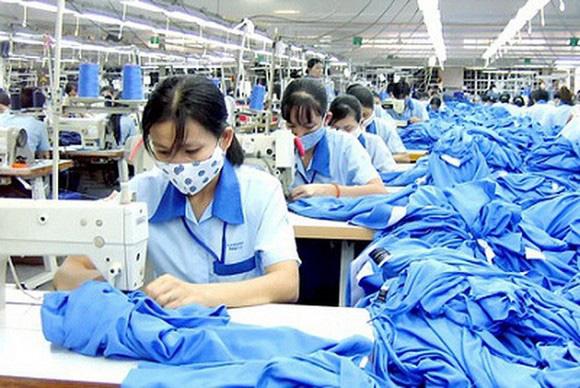 Thủ tướng đồng ý hạ tiêu chí cho doanh nghiệp vay gói 16.000 tỷ trả lương - Ảnh 2.