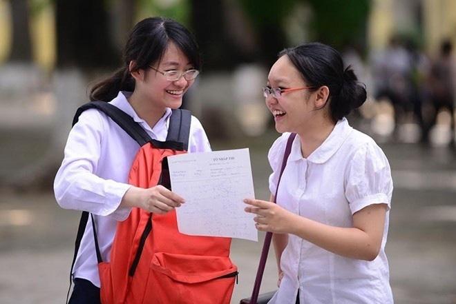 Đề thi Ngữ văn chuyên vào 10 trường THPT chuyên KHXH&NV gây tranh cãi, giáo viên nói gì? - Ảnh 2.