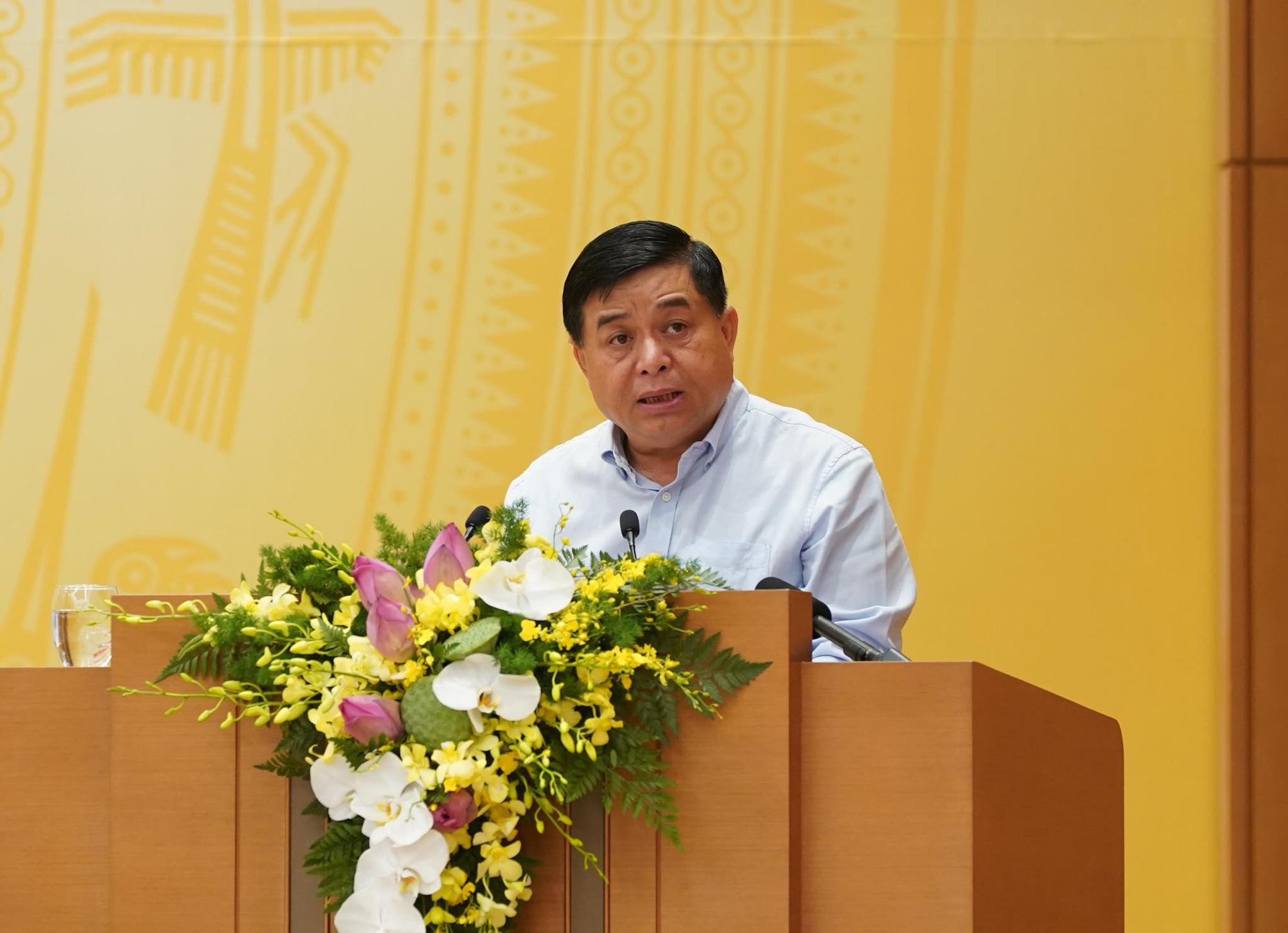 """Bộ trưởng Nguyễn Chí Dũng: """"Chống suy thoái kinh tế như chống giặc"""" - Ảnh 1."""