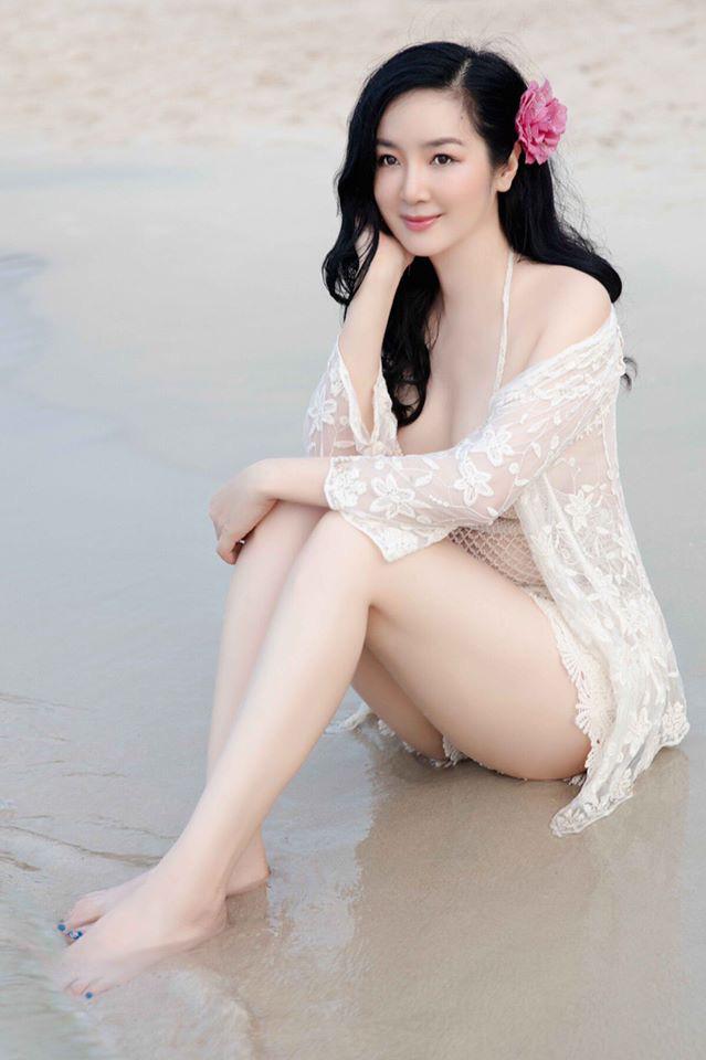 """Tuổi 49, Hoa hậu Giáng My """"gây mê"""" người nhìn nhờ vẻ đẹp tựa nữ thần - Ảnh 9."""