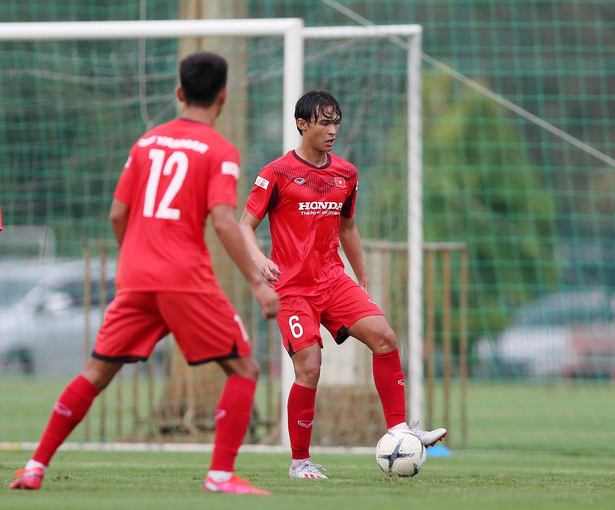HLV Park Hang-seo bày tỏ nỗi nhớ 5 ngôi sao bóng đá Việt Nam - Ảnh 1.