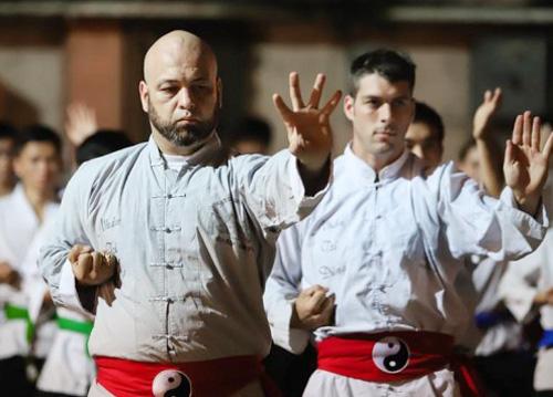 4 màn giao đấu của võ sư Vịnh Xuân Nam Anh Flores tại Việt Nam - Ảnh 1.