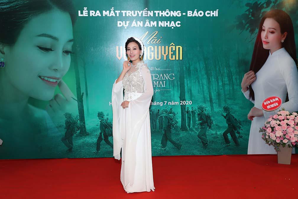 Xúc động với 3 MV tri ân các anh hùng liệt sĩ của ca sĩ Huyền Trang   - Ảnh 5.