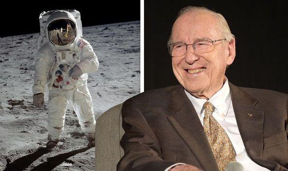 Jim Lovell trả lời những nghi vấn về cuộc đổ bộ Mặt trăng của Apollo 13 - Ảnh 1.