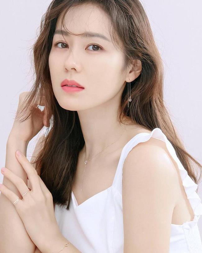 """Clip Son Ye Jin gây """"sốt"""" vì khoe cận mặt xinh đúng đẳng cấp """"mỹ nhân đẹp nhất thế giới"""" - Ảnh 5."""