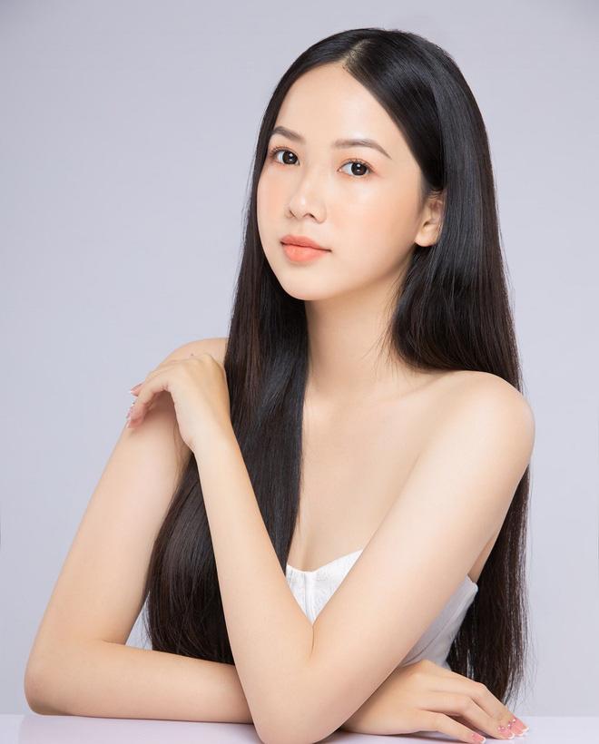 """Nữ sinh 10X đẹp chuẩn """"thần tiên tỷ tỷ"""" thi Hoa hậu Việt Nam 2020 hiếm hoi mặc bikini quyến rũ - Ảnh 4."""
