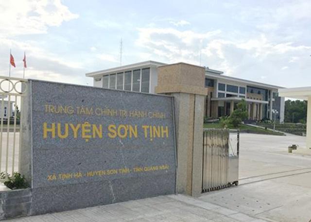Huyện phớt lờ phán quyết của Tòa án, giữ trái phép hàng loạt sổ đỏ của dân - Ảnh 2.