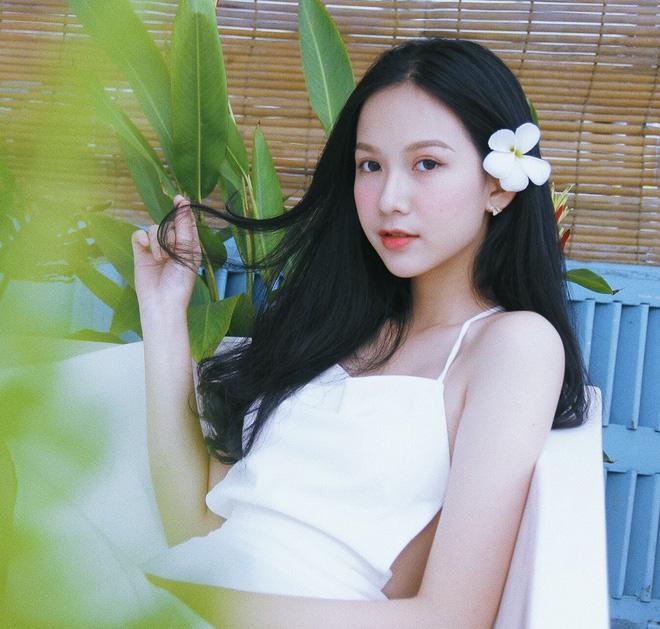 """Nữ sinh 10X đẹp chuẩn """"thần tiên tỷ tỷ"""" thi Hoa hậu Việt Nam 2020 hiếm hoi mặc bikini quyến rũ - Ảnh 2."""