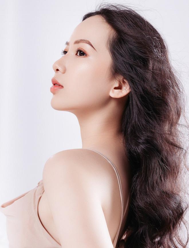 """Nữ sinh 10X đẹp chuẩn """"thần tiên tỷ tỷ"""" thi Hoa hậu Việt Nam 2020 hiếm hoi mặc bikini quyến rũ - Ảnh 12."""