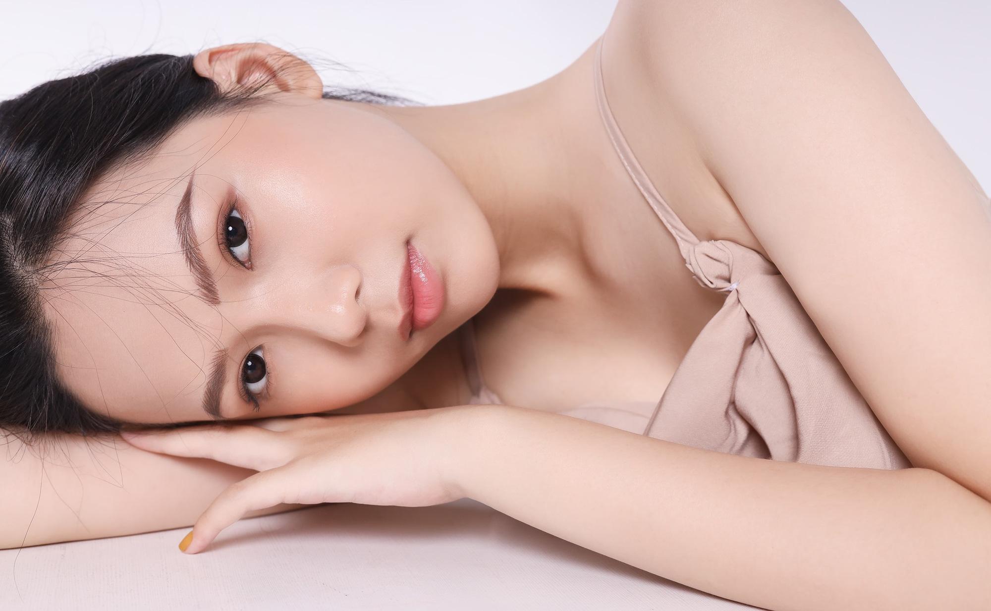 """Nữ sinh 10X đẹp chuẩn """"thần tiên tỷ tỷ"""" thi Hoa hậu Việt Nam 2020 hiếm hoi mặc bikini quyến rũ - Ảnh 10."""