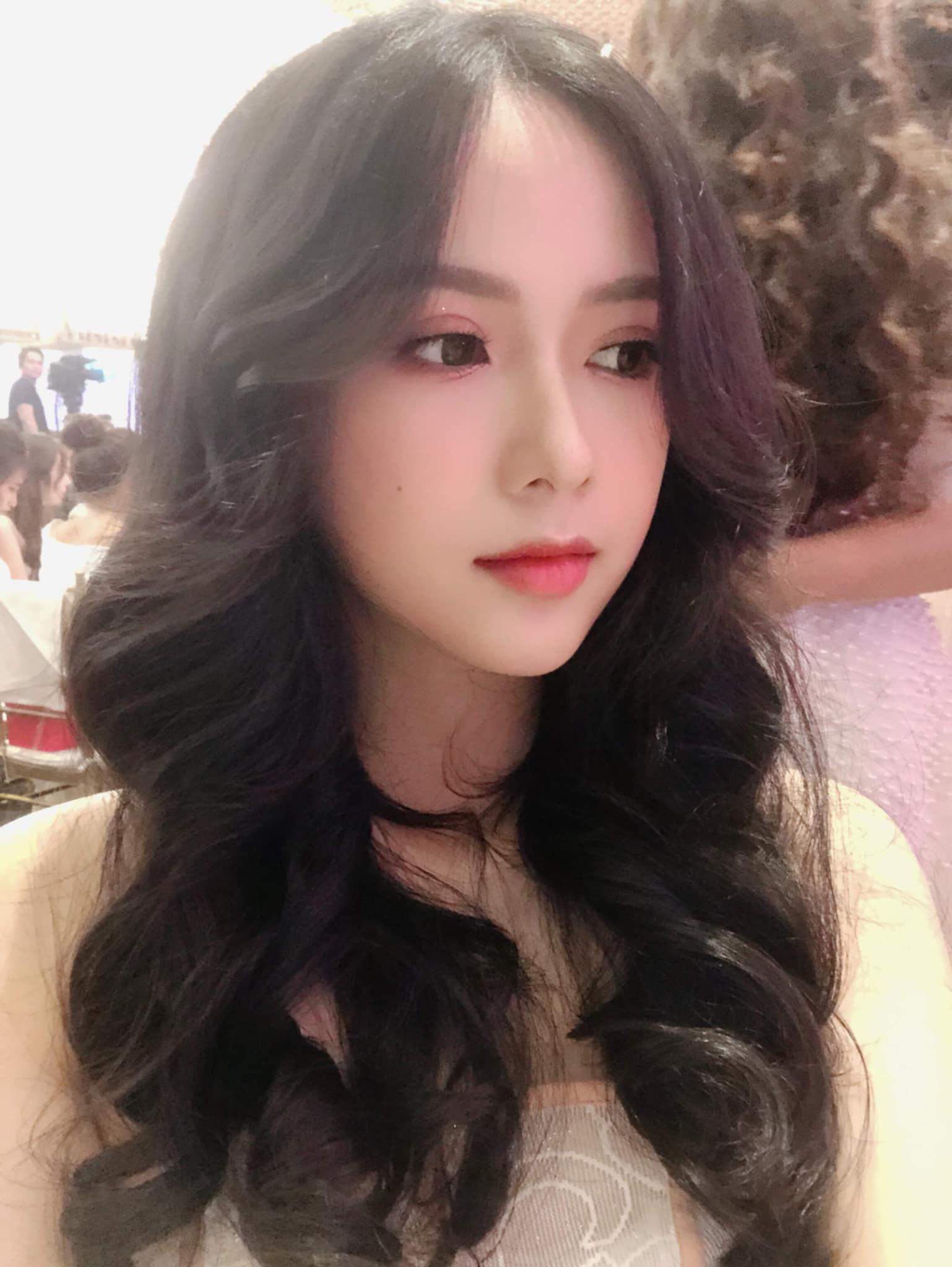 """Nữ sinh 10X đẹp chuẩn """"thần tiên tỷ tỷ"""" thi Hoa hậu Việt Nam 2020 hiếm hoi mặc bikini quyến rũ - Ảnh 3."""