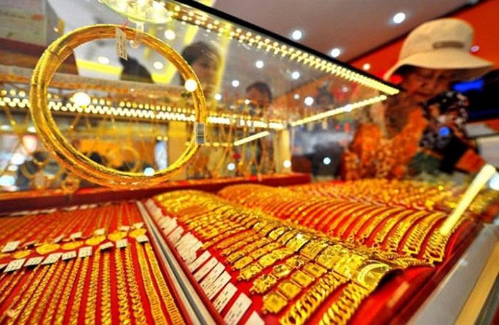 """Giá vàng tăng """"sốc"""" lên 55 triệu đồng/lượng, mua vàng lãi gấp 9 lần gửi tiết kiệm - Ảnh 1."""