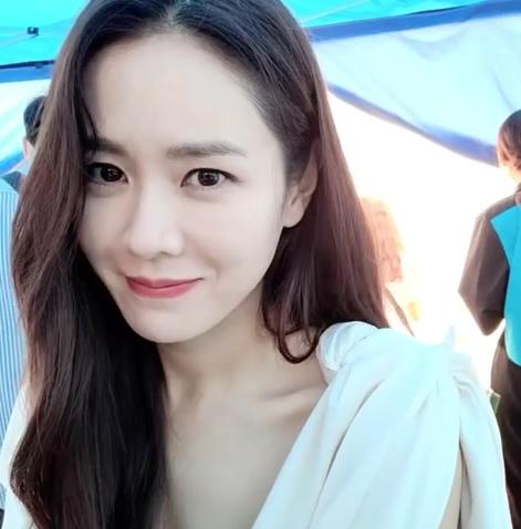 """Clip Son Ye Jin gây """"sốt"""" vì khoe cận mặt xinh đúng đẳng cấp """"mỹ nhân đẹp nhất thế giới"""" - Ảnh 3."""