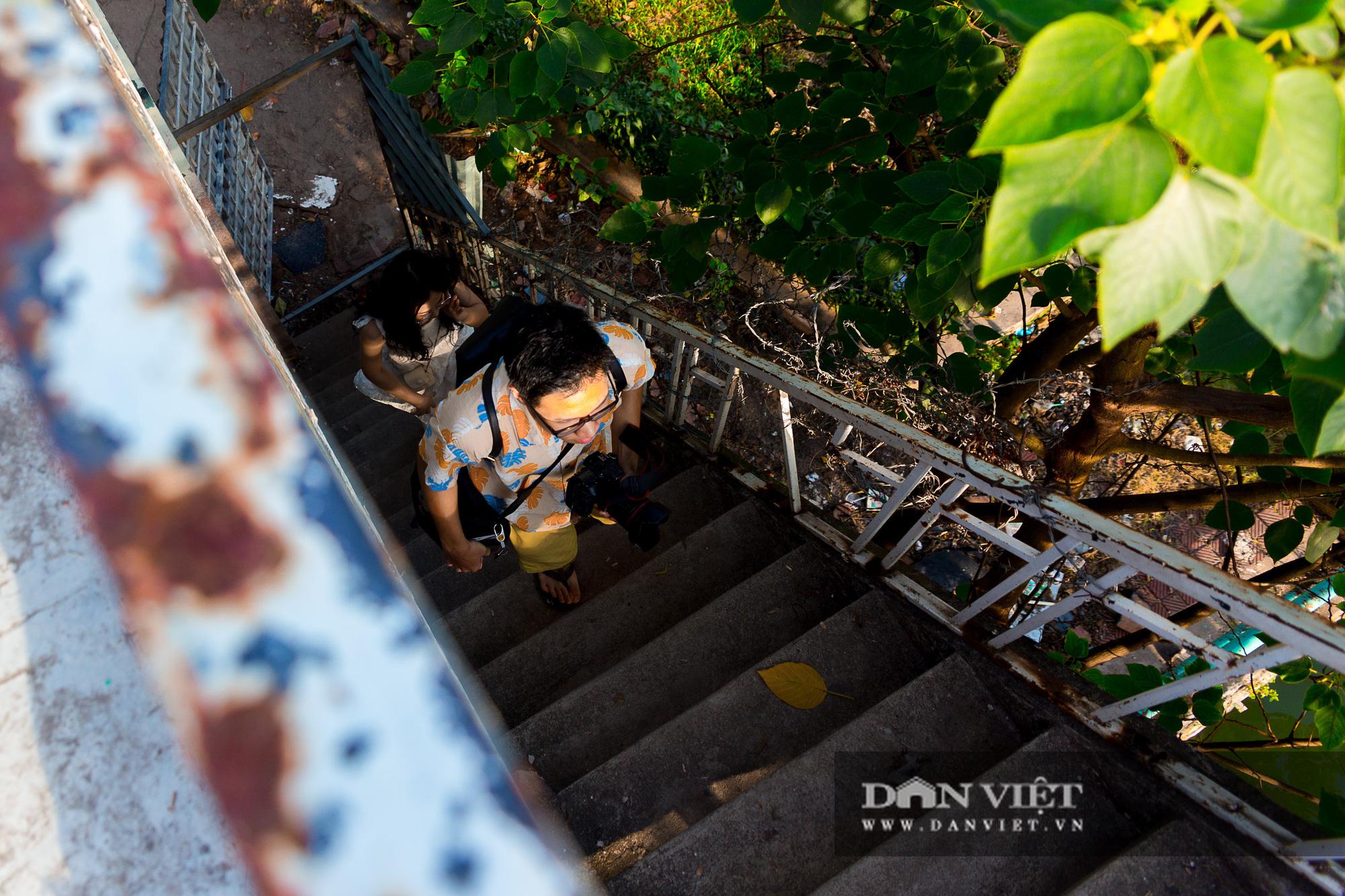 Chiêm ngưỡng hoàng hôn đẹp như mơ từ ga thủy phi cơ bỏ hoang ở Hà Nội - Ảnh 3.