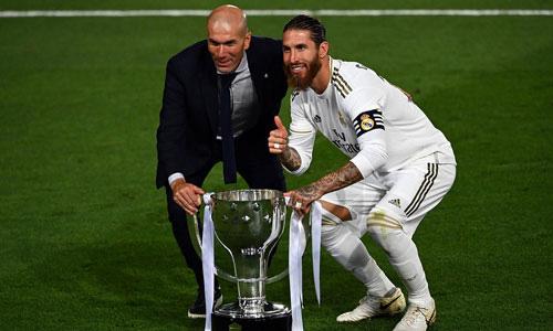 Zidane vừa góp công lớn giúp Real Madrid vô địch La Liga.
