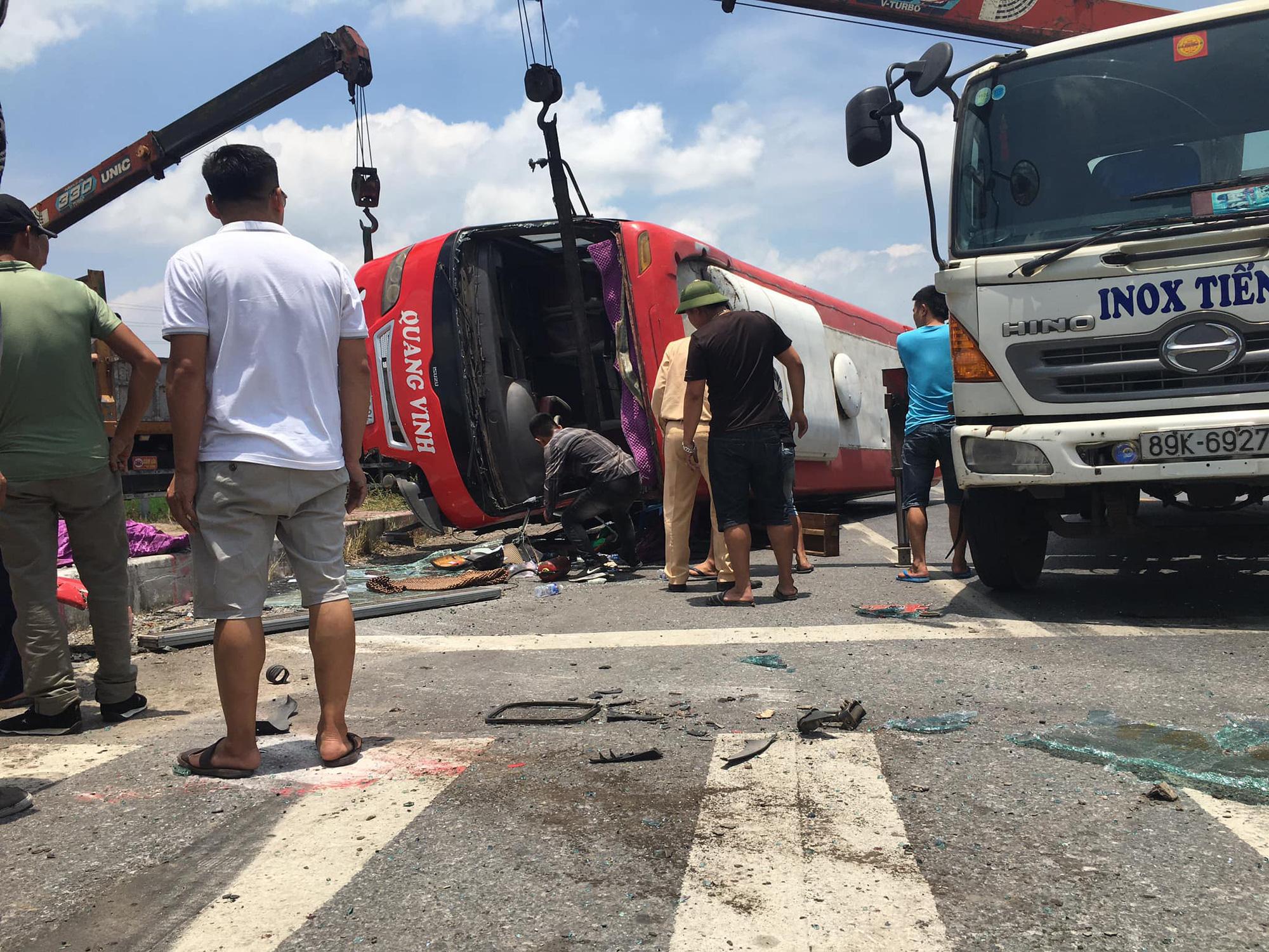 Xe container đấu đầu xe khách, 6 người tử vong tại chỗ - Ảnh 3.