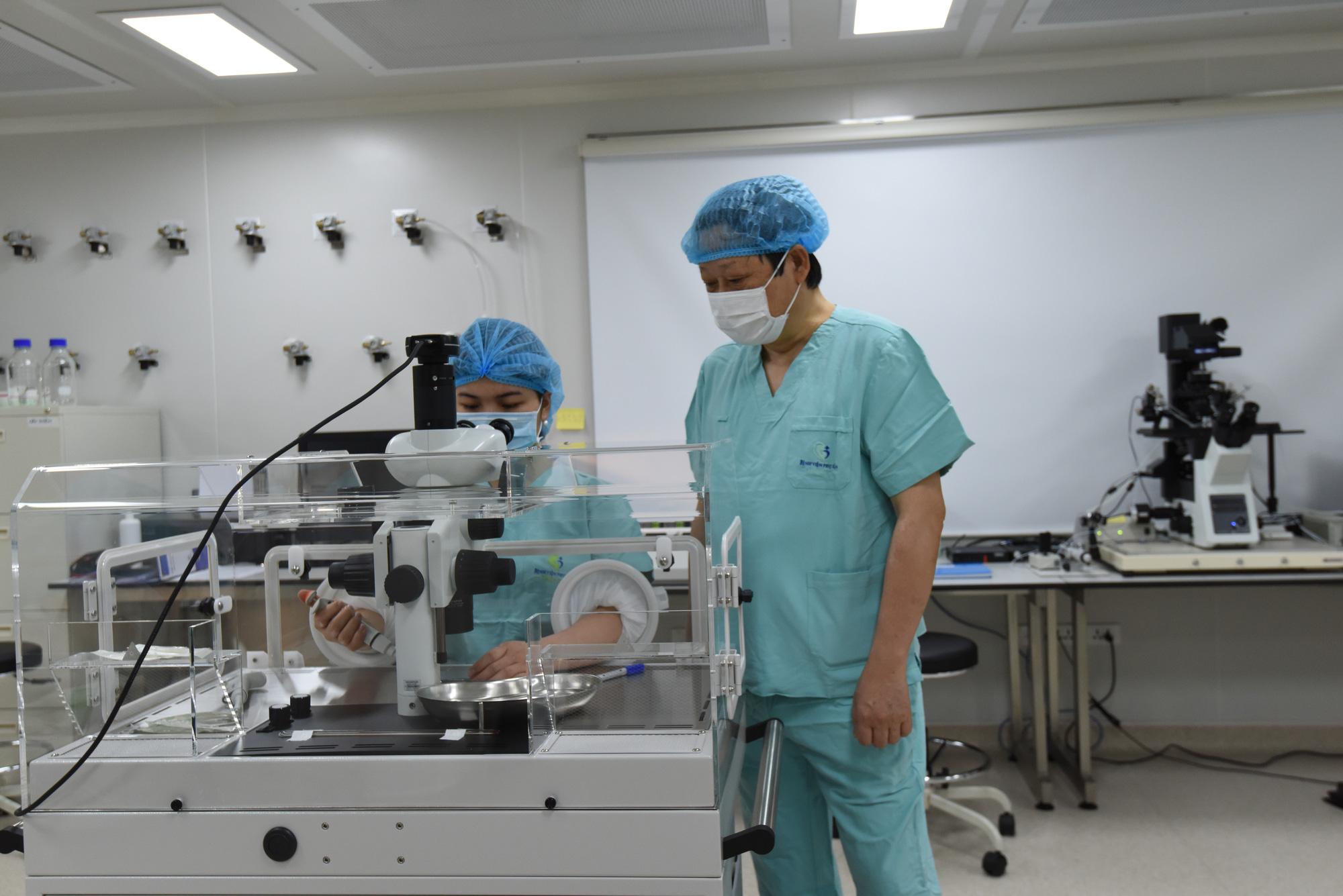 Hy vọng cho người phụ nữ 42 tuổi vô sinh còn bị chỉ định cắt tử cung - Ảnh 1.