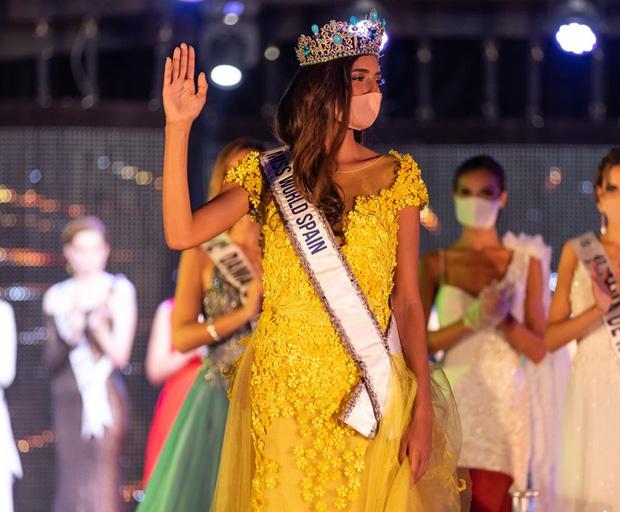Tình huống chưa từng xảy ra trong đêm chung kết Hoa hậu Tây Ban Nha được tổ chức giữa mùa dịch Covid-19 - Ảnh 1.