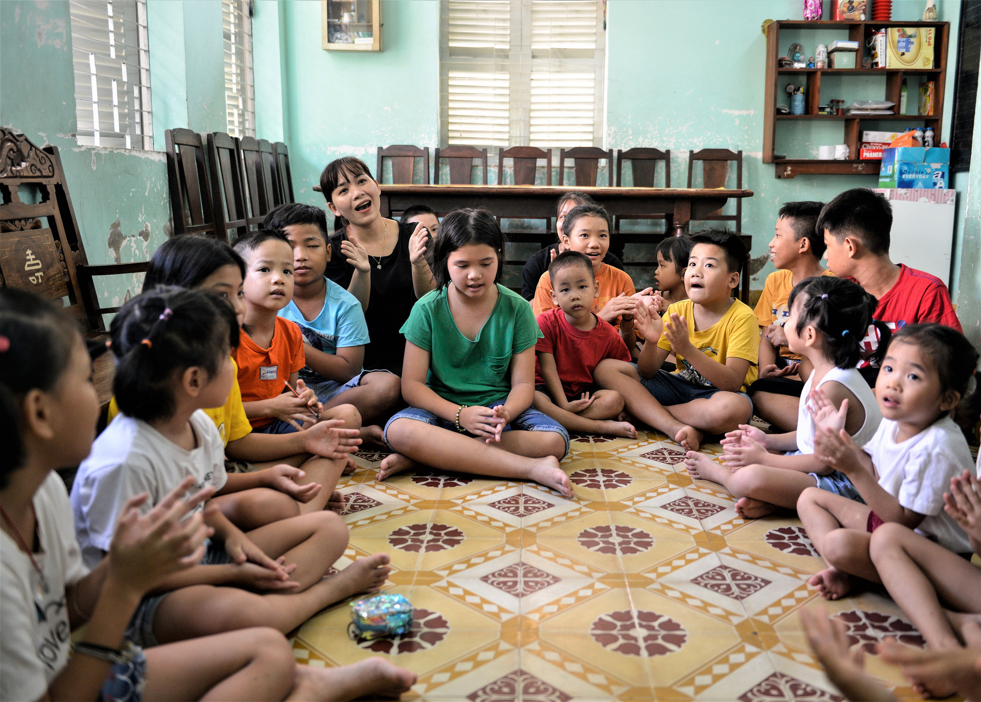 Quỹ sữa Vươn cao Việt Nam đến với trẻ khó khăn TP.HCM - Ảnh 8.