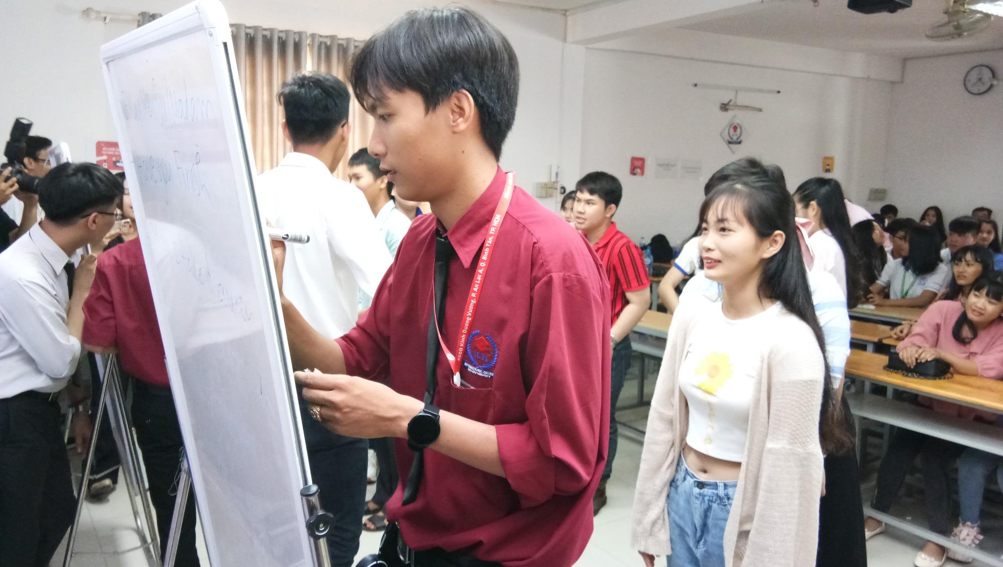 Học chương trình 9+Cao đẳng để đi làm khi… 18 tuổi rưỡi - Ảnh 2.