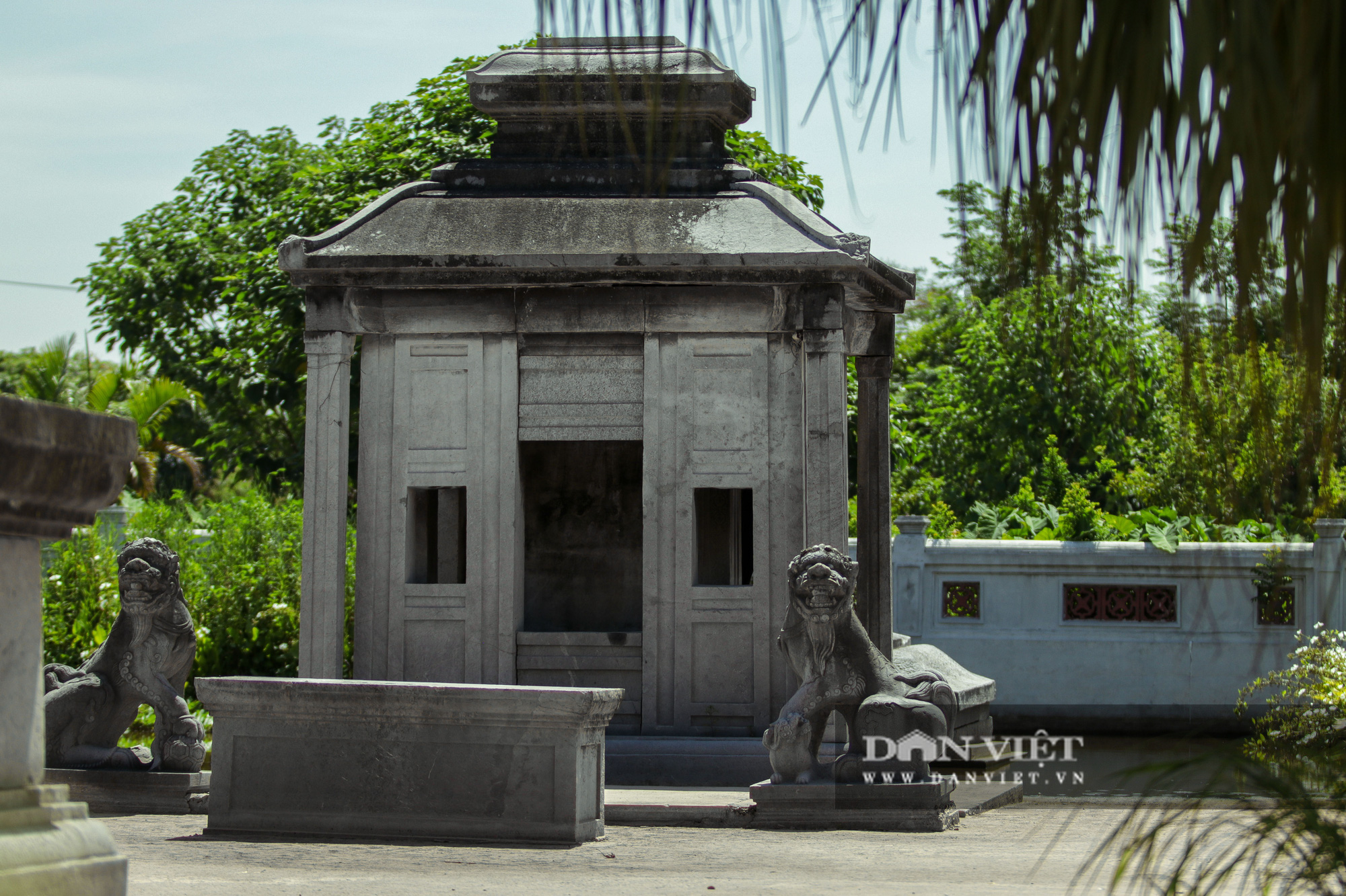 Bí ẩn lăng mộ đá ở Hà Nội bị 2 trận lũ lớn vùi lấp suốt hàng trăm năm - Ảnh 2.