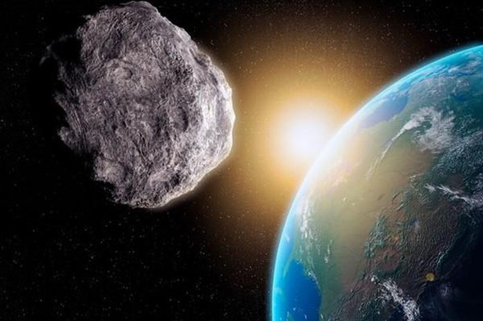 Tiểu hành tinh có kích thước bằng sân bóng đang lao về Trái Đất - Ảnh 1.
