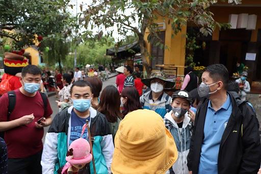 Quảng Nam: Bệnh nhân 596 đi rất nhiều nơi, trong đó ghé một quầy thuốc ở Tam Kỳ nhưng không nhớ địa chỉ - Ảnh 2.