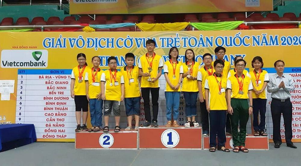 Lễ trao huy chương và bế mạc giài cờ vua trẻ toàn quốc 2020 diễn ra tối 29/2.