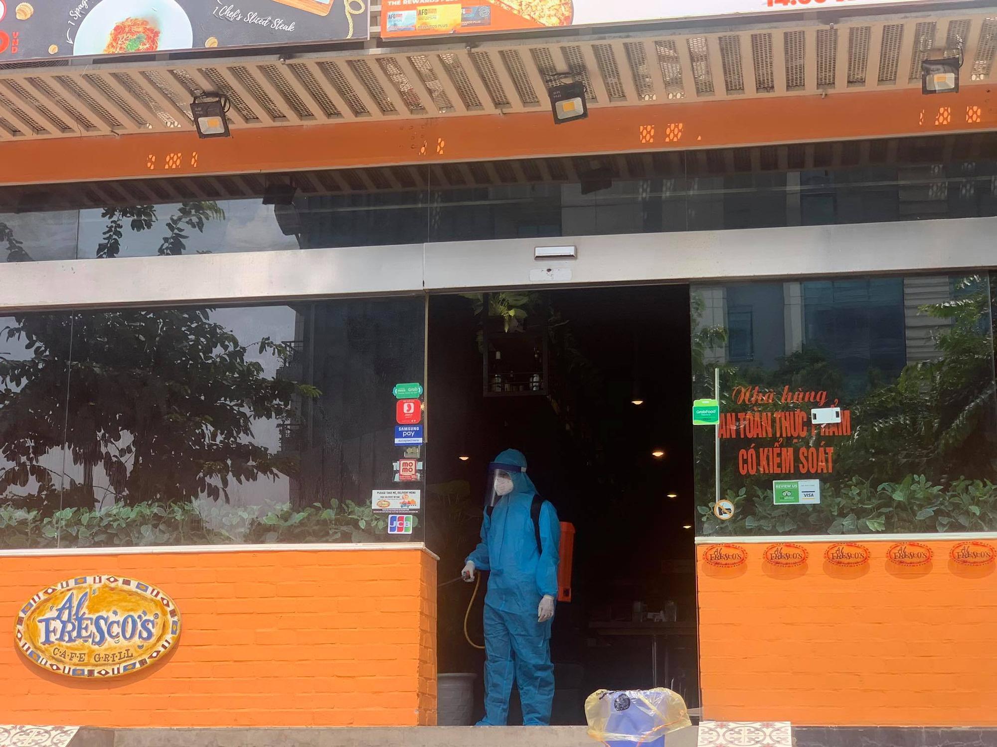 -19 tại Hà Nội: Phong toả và khử trùng quán pizza trên phố Trần Thái Tông - Ảnh 5.
