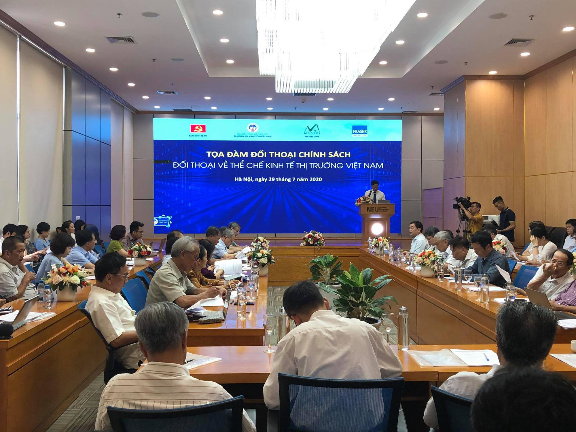 TS. Nguyễn Đình Cung chỉ ra cách thức bảo vệ quyền và lợi ích hợp pháp của nông dân - Ảnh 1.