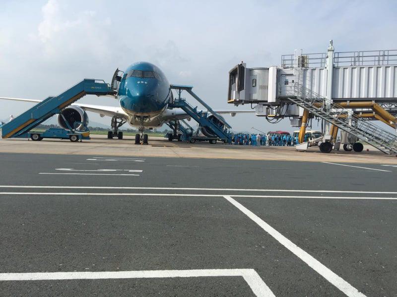 Chuyến bay chở 219 công dân tại Guinea Xích đạo về nước an toàn - Ảnh 7.