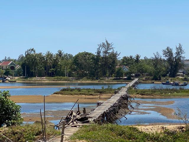 Quảng Ngãi: Đưa cầu 1,5 triệu đô nối 2 bờ sông Thoa nội thị Đức Phổ vào hoạt động  - Ảnh 2.