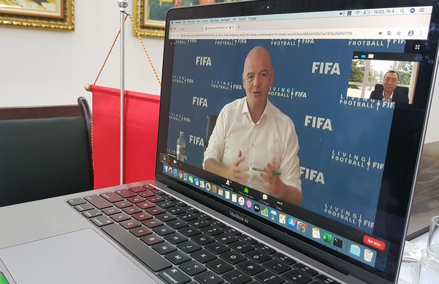 Đối phó Covid-19, FIFA có động thái đẹp với VFF - Ảnh 2.