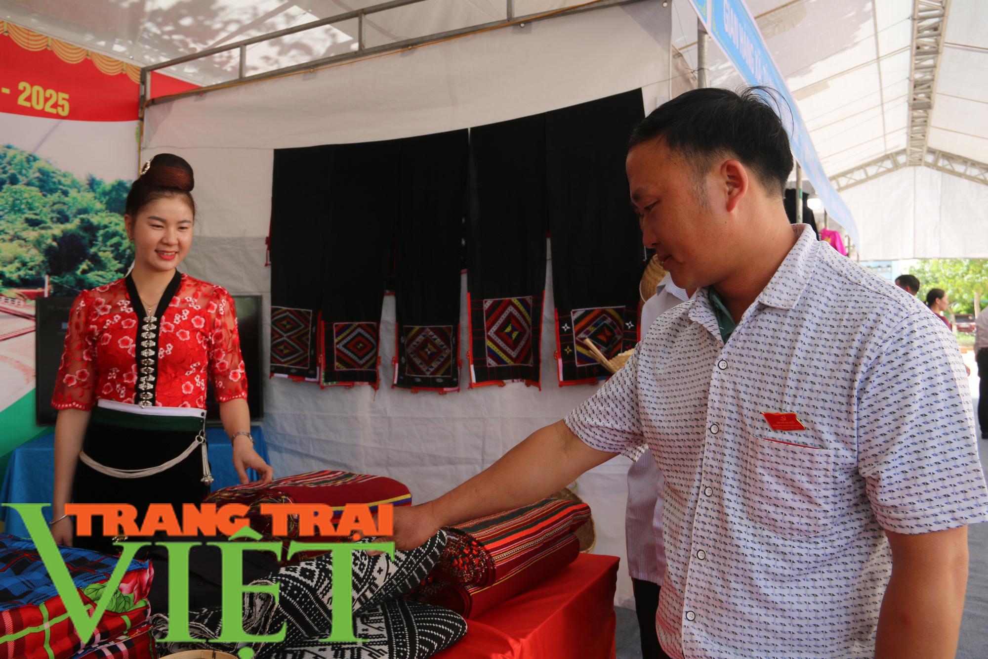 Đảng bộ huyện Yên Châu: Nhiều chỉ tiêu đạt và vượt kế hoạch - Ảnh 8.